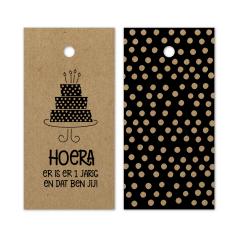 Hangkaartje-Hoera-er-is-er-1-jarig-kraft-zwart-0119052.png